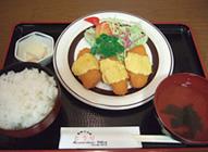 チキンチーズフライ定食 770円